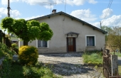 D2675, Stone country house
